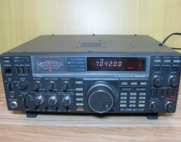 ICOM IC- 765