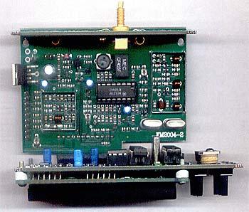 Трансивер FM2004-2 выполнен в виде 3-х отдельных плат, которые стыкуются между собой через впаянные в платы разъемы...